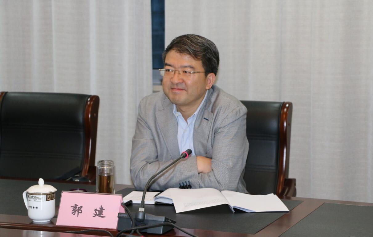 镇江市委常委,秘书长郭建调研市档案局工作图片